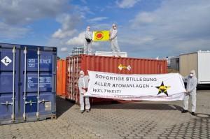 Inspeksjon og protest ved havneterminalen