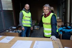 Firaz (t.h) og Mari Tangen står på dag og natt for å hjelpe flyktninger som ankommer PUs lokaler på Tøyen.