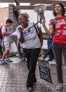 Black Lives Matter og kampanjen for heving av minstelønna sammen for Sanders. Foto: Albert Andersen Øydvin