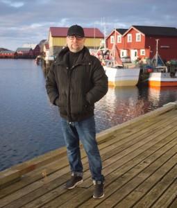 Tor Halvorsen på brygga i Røst. Foto: Privat